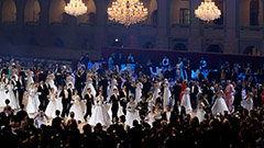 Viennese Ball returns for first time in 2 years amid pandemic