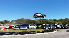 Drivers attempt to leap over 9 cars during 2021 Car Jumping Competition