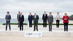 Mask-free warm vibes among leaders at 2021 G7 Summit