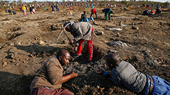 Mystery stones spark diamond rush in South Africa