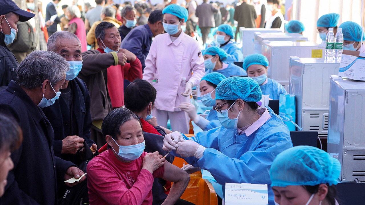 China's vaccination drive reaches one billion doses