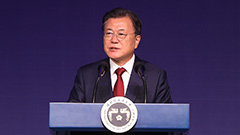 Moon says two Koreas need to cooperate and prosper together