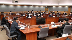 Opinion divided in S. Korea over vaccine pass proposals