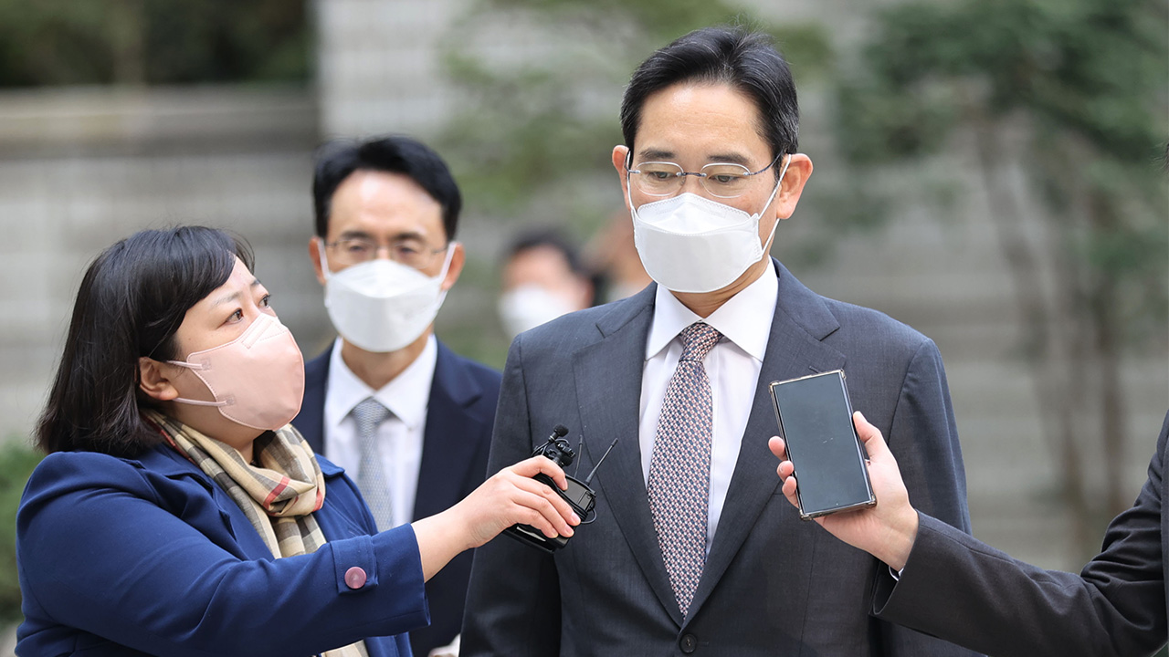 Samsung heir Lee Jae-yong vows humble leadership on anniversary of father's death