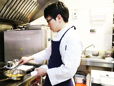 Going Global _ We visit Korean chef Lee Young-hoon's restaurant in Lyon, France _ Ep61