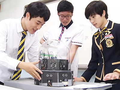 InfoScope Space Helmet Designed by Korean Students Win Global Competition Ep35