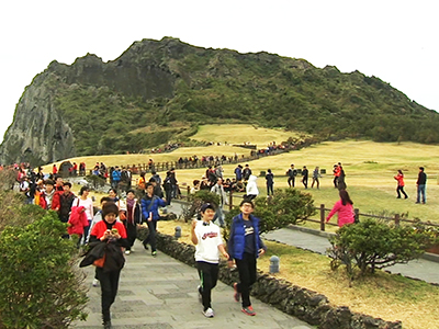 Upfront Increasing number of foreign tourists in Korea