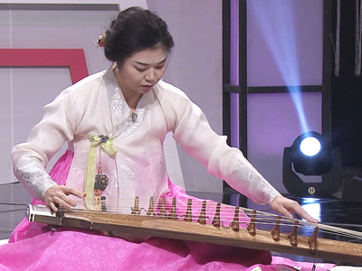 K-Culture Elite Traditional Korean Instruments Gayageum PENG Li Ying