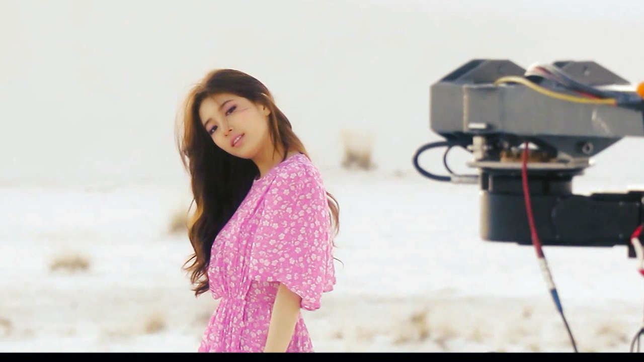 [Pops in Seoul] Suzy (수지) Holiday (홀리데이) MV Shooting Sketch