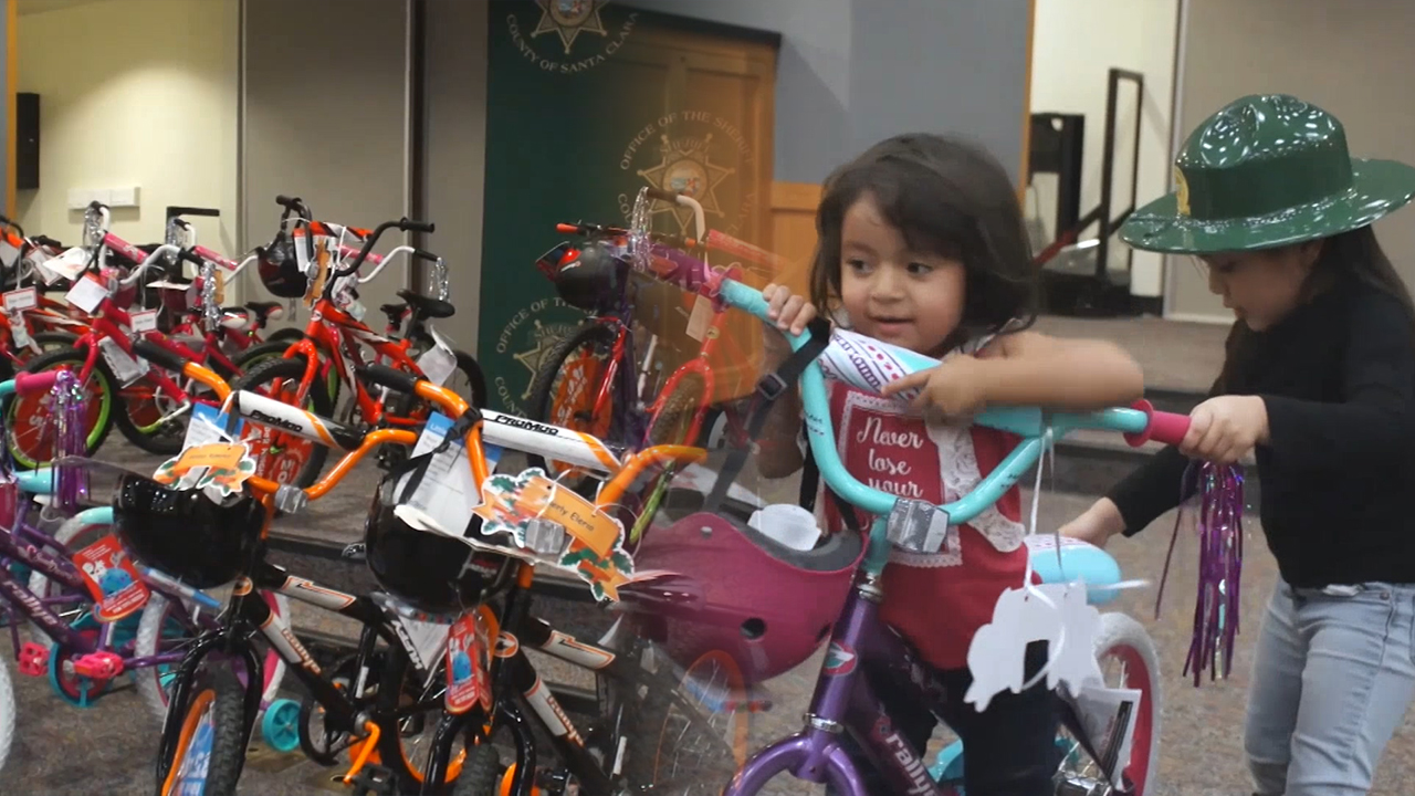 [Globetrotters] Spreading Love with Bicycles