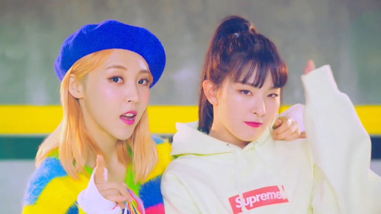 [Pops in Seoul] Moonbyul (문별) SELFISH (feat. Seulgi (슬기) of Red Velvet)