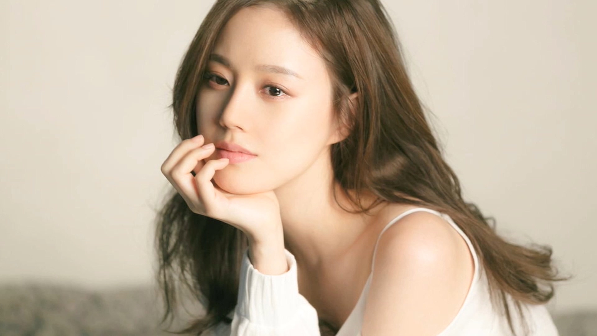[Showbiz Korea] actress Moon Chae-won (문채원) _ Q&A