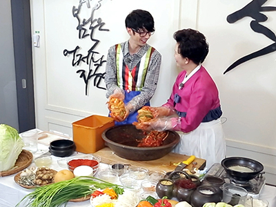 Let's Enjoy Together Korean Culture Ep.1 - How  to Make Kimchi