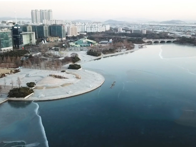 Winter in Lake Park_ Goyang, Gyeonggi-do Province