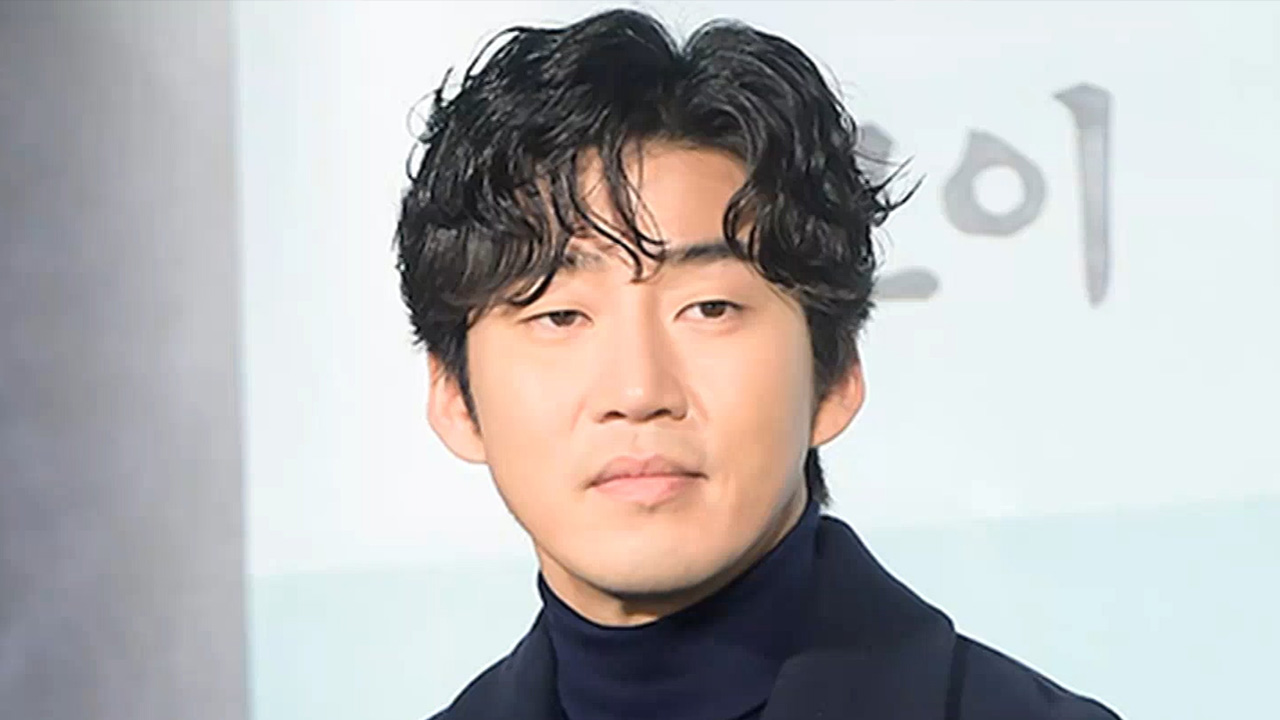 [Showbiz Korea] YOON KYE-SANG (윤계상) DONATES FOR CHILDREN & THE ELDERLY
