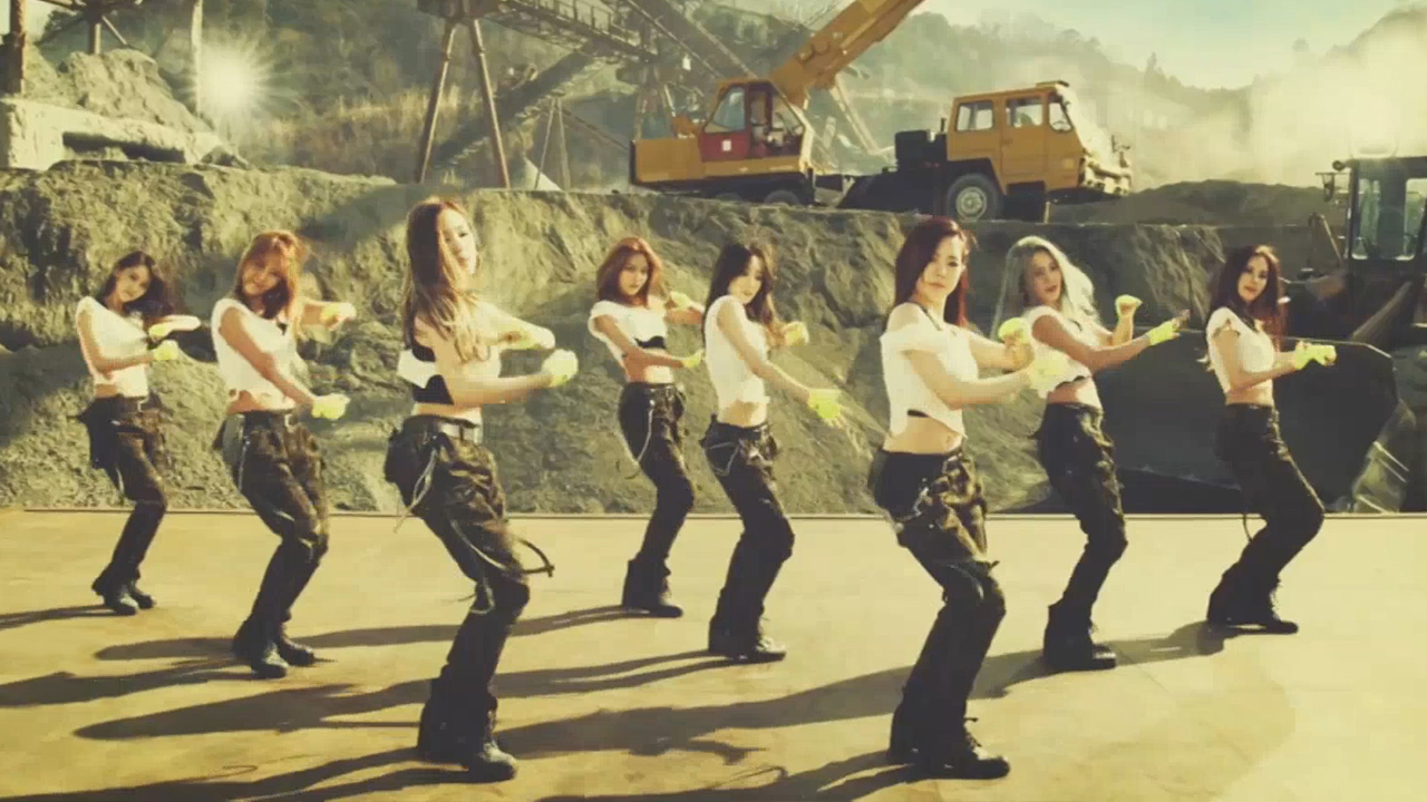 Girls' Generation (소녀시대) Catch Me If You Can