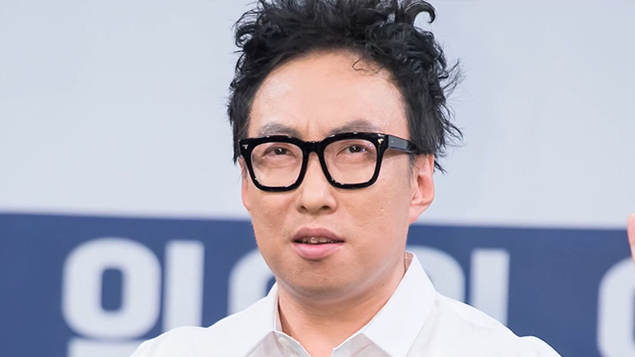 PARK MYUNG-SOO (박명수) PROVIDES SURGERY FEES FOR CHILDREN WITH HEARING IMPAIRMENT
