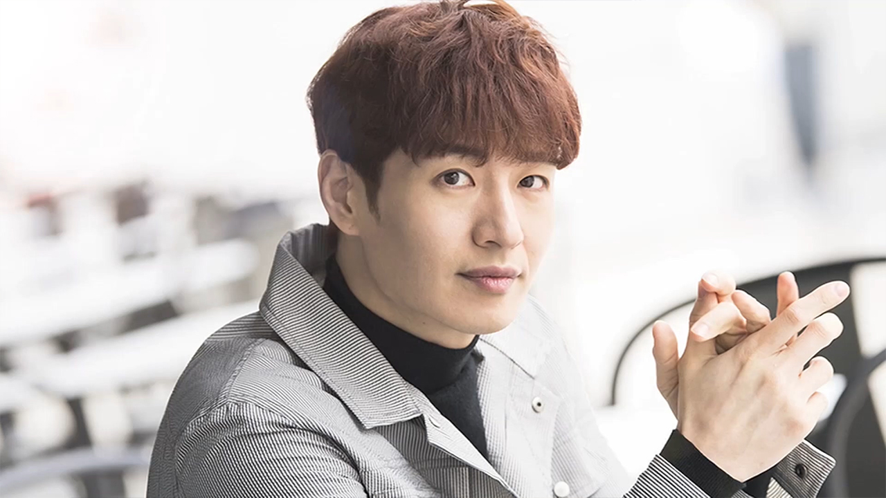 SON HO-YOUNG (손호영) HOLDS FAN MEET