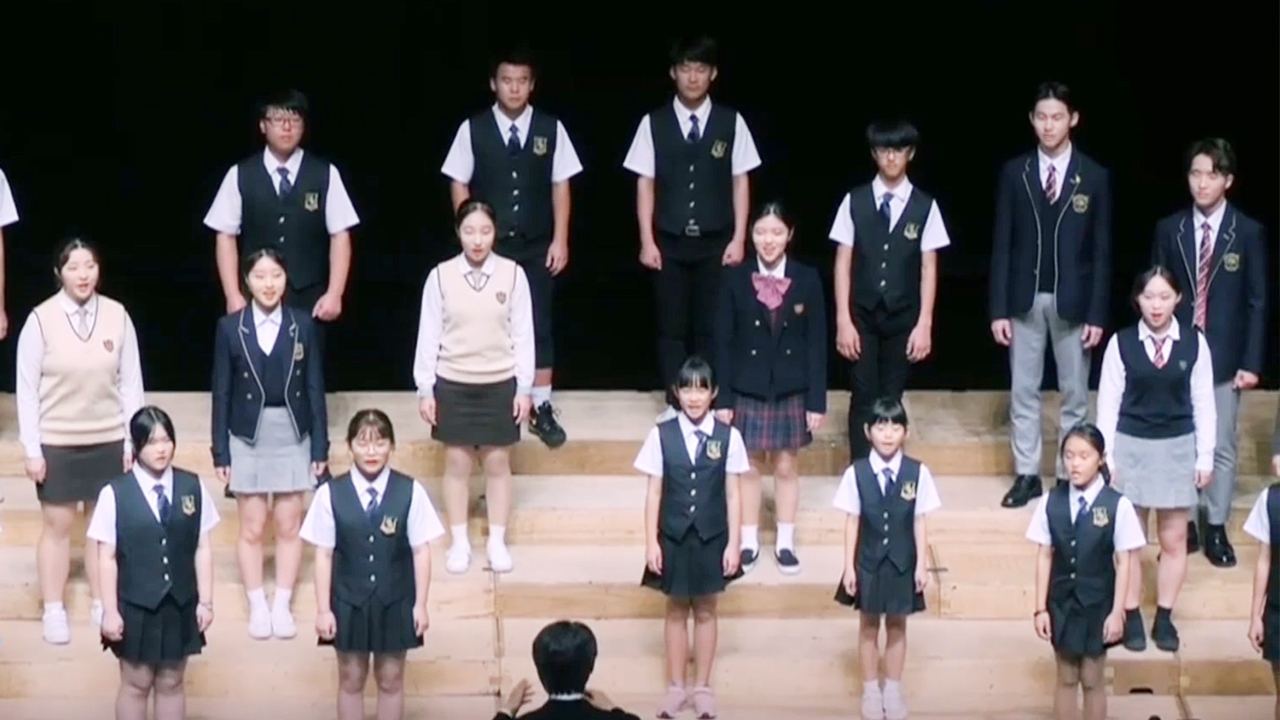 40-3 Young Defector Choir Spreads Message of Hope