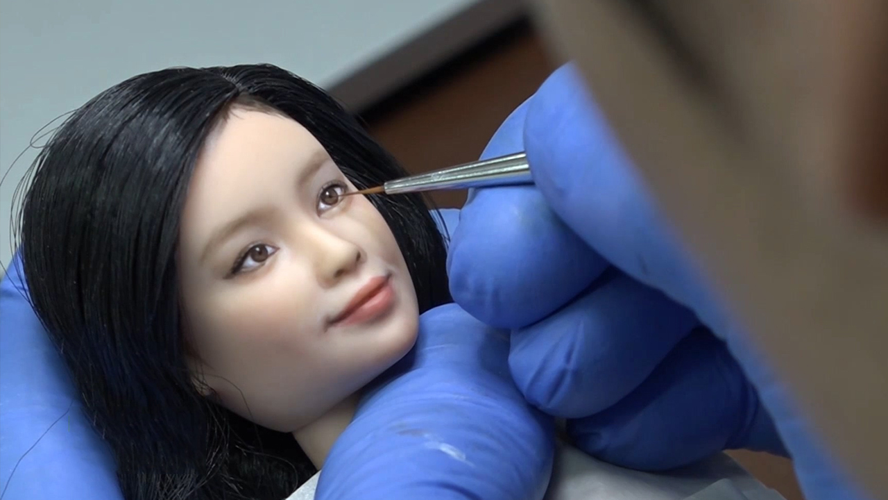 Repainting Dolls for Lifelike Look