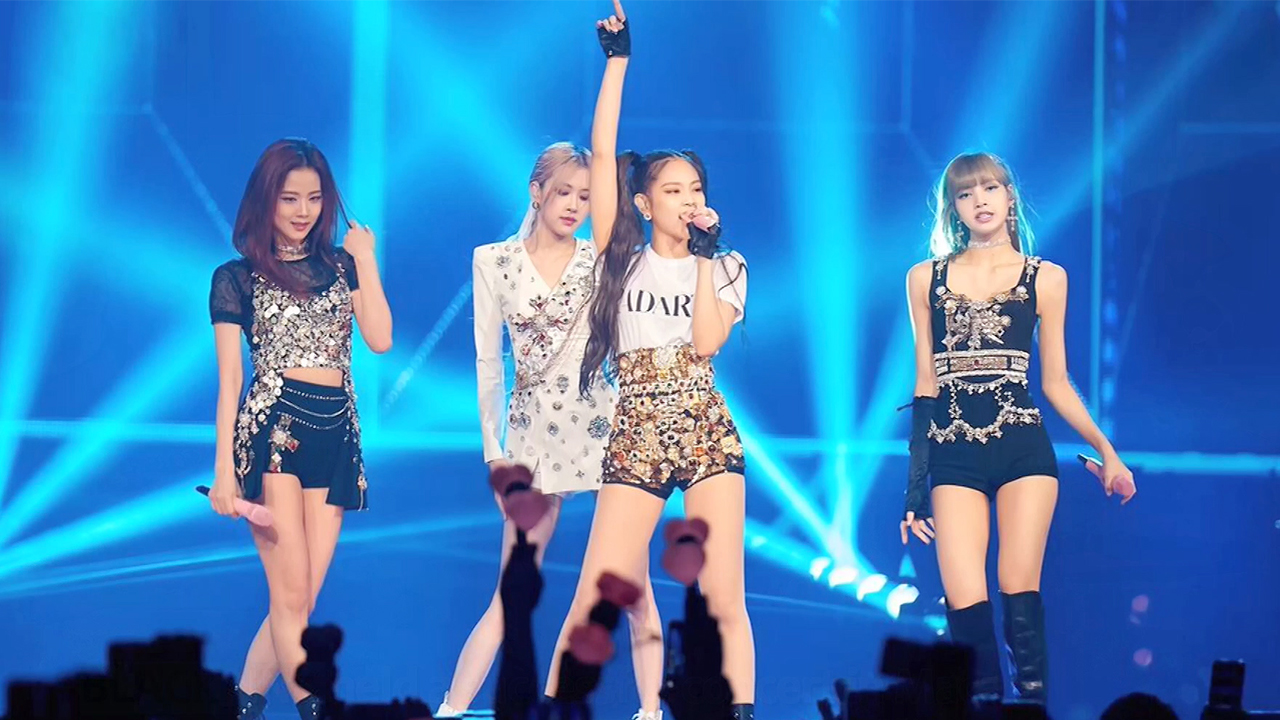BLACKPINK (블랙핑크) HOLDS A SUCCESSFUL CONCERT IN MACAO