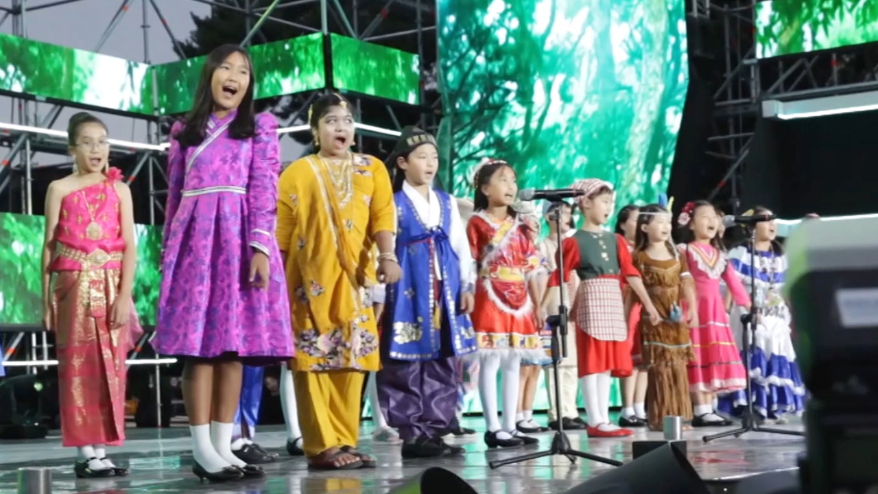 Peace through Singing - Areumdri Multicultural Children's Choir