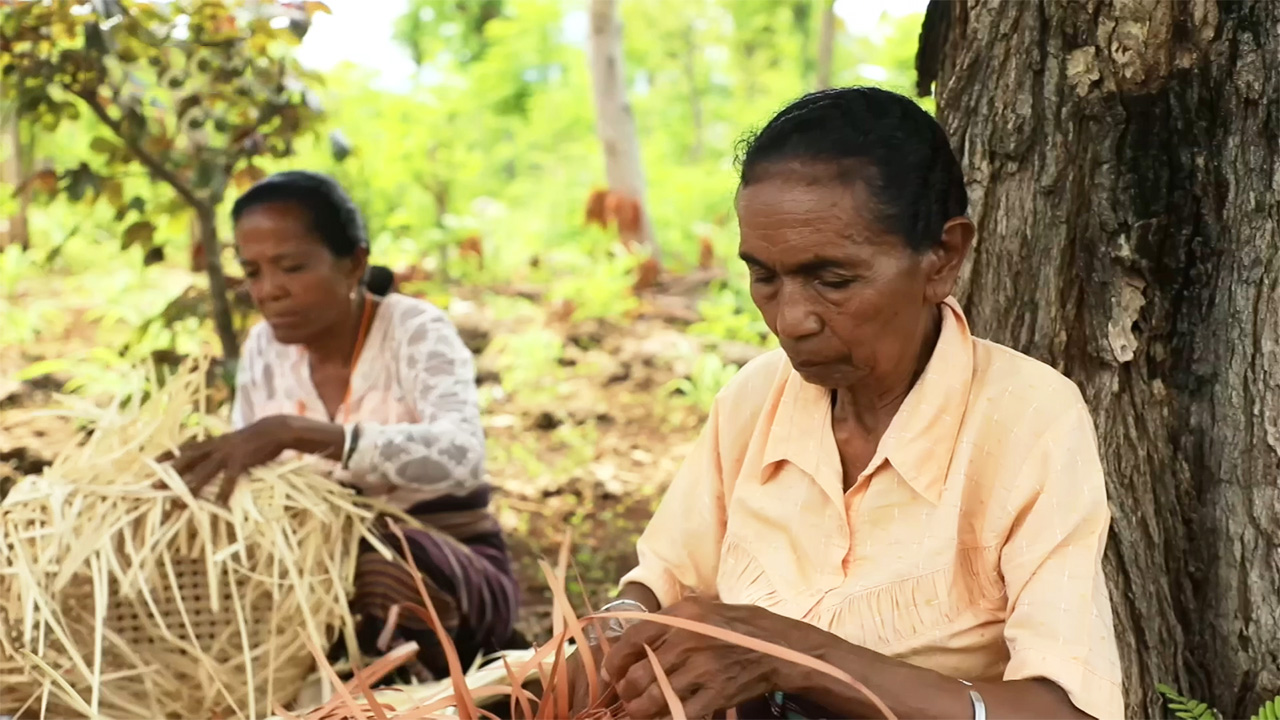 Ep.20 The song of hope sung by island women