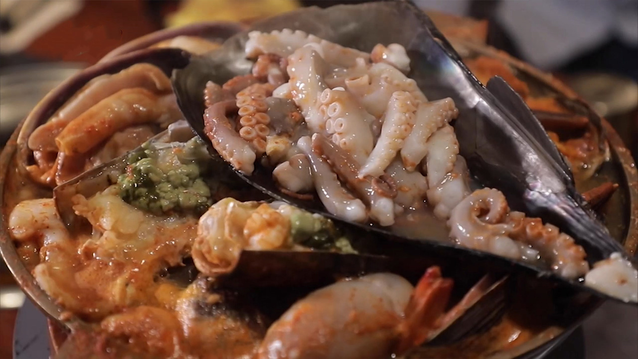 Ep.7 Enjoying Seafood in Gangnam (Season 3)