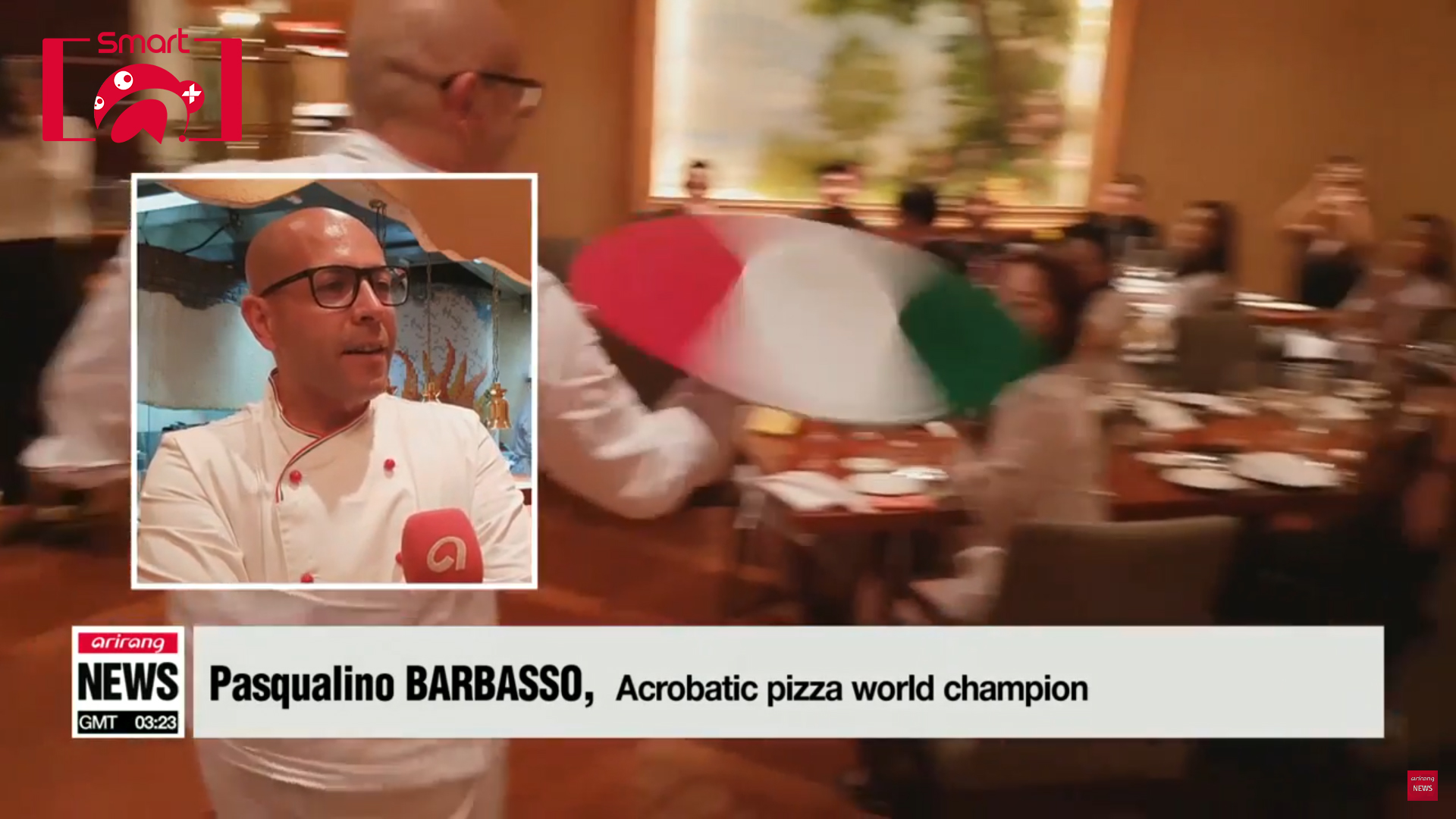 [Smart A+] Acrobatic pizza world champion Pasqualino Barbasso shows off his stunning skills
