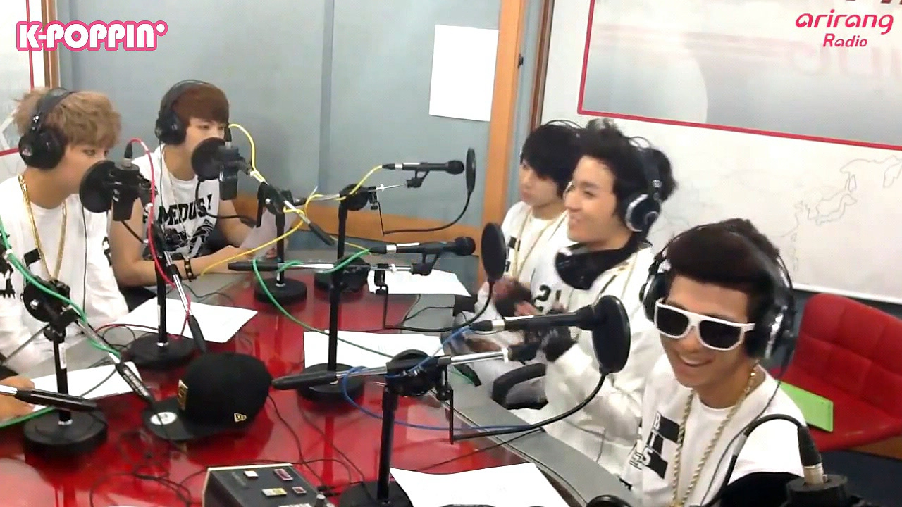 [K-Poppin'] Behind the Scene of BTS (방탄소년단) on Arirang Radio! (2013 Episode)