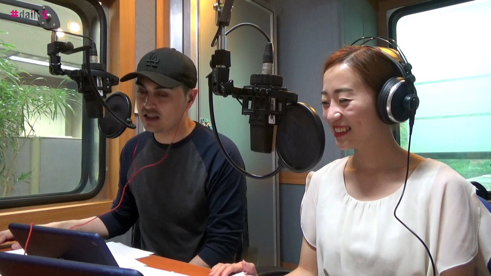 [#Daily K] K-Patch with Rachel - YouTube editing vidoes and pictures