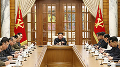 N. Korean leader makes first public appearance in a month at politburo meeting