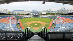 KBO halts season due to 4th wave of COVID-19, infections among two teams
