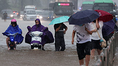 Deadly downpours in central China flood Zhengzhuo, Henan Province