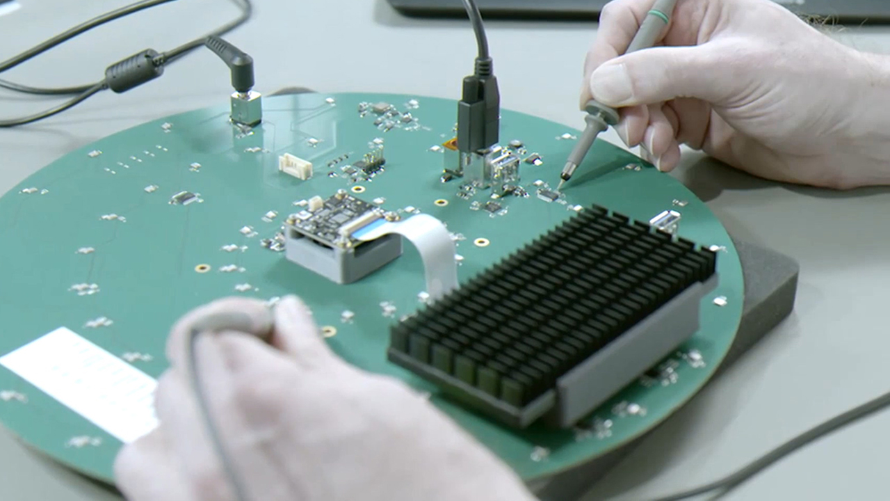 [BizSmart] Mobilio, developing system that diagnoses and repairs the industri...